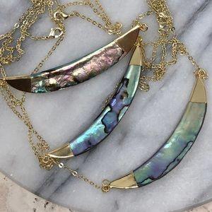 Jewelry - 🆕Abalone/14K Crescent Pendant